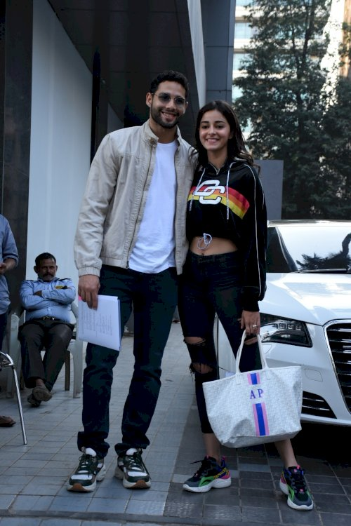Sidhant Chatuvedi and Ananya Pandey spotted at Santacruz./Pic by News Helpline