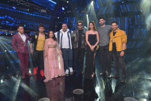 Disha Patani, Aditya Roy Kapoor, Anil Kapoor and Kunal Khemu on sets of Indian Idol to promote their film Malang./pic by News Helpline
