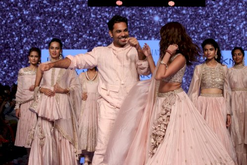 Tara Sutaria as showstopper for Punit Balana during Lakme Fashion Week 2020/Pics by News Helpline