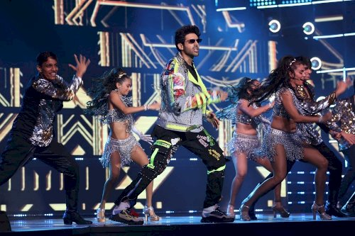 65th Amazon Filmfare Awards 2020 - Kartik Aaryan performing on a medley of retro and latest beats.