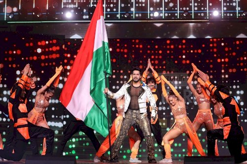 65th Amazon Filmfare Awards 2020 - Varun Dhawan in an action-packed performance.