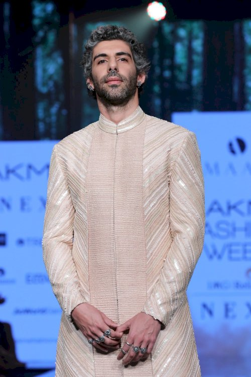 Jim Sarab,Kunal Khemu & Amit Sadh  on ramp in Lakme Fashion Week. /Pics by News Helpline
