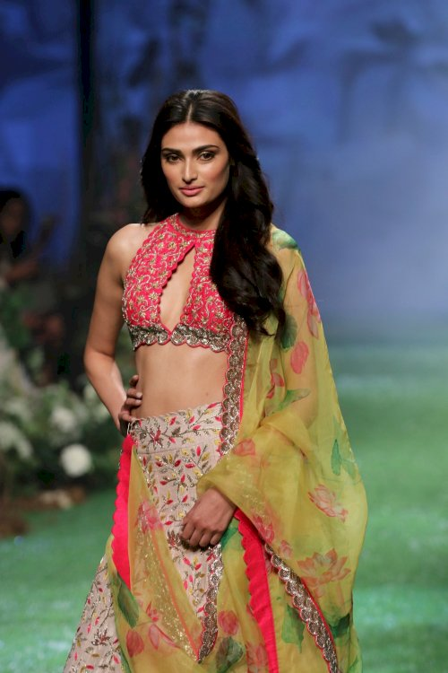 Iliana D Cruz & Athiya Shetty on ramp in Lakme Fashion Week 2020. /Pics by News Helpline