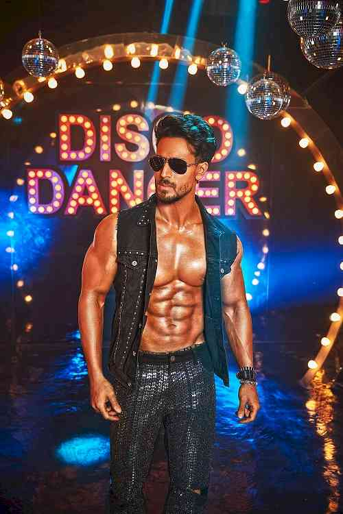 "Tiger Shroff pulls off the shoot of the iconic song ""I am a Disco Dancer"""