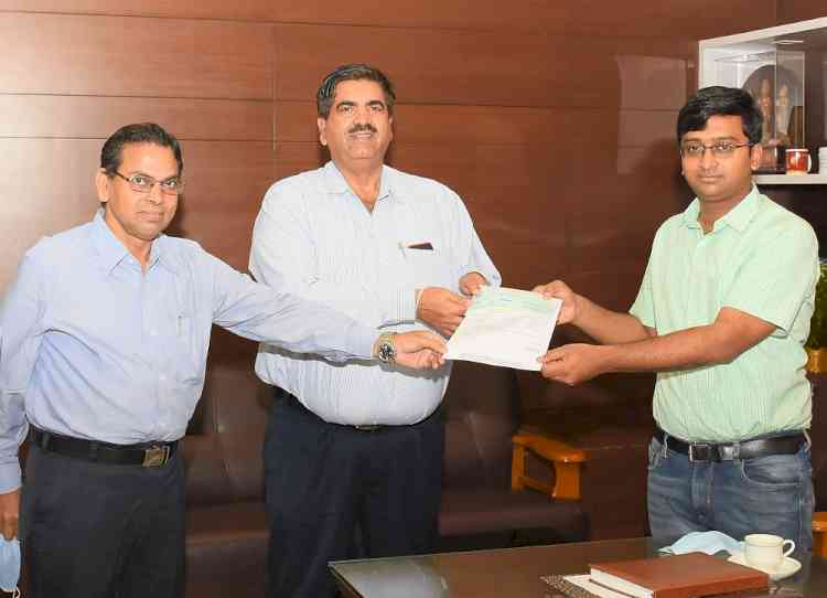 NMDC contributes Rs 60 Lakh to Ballari District Administration to support fight against covid-19