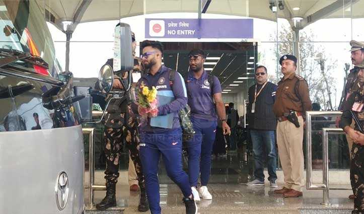 India and South Africa teams arrived for cricket match in Dharamshala